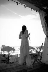 Robe de mariée mariage robe en soie grise fumee Sylvie Mispouillé