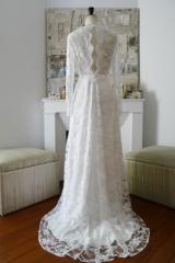 Robe de mariée sur mesure en dentelle atelier toulouse Sylvie Mispouillé