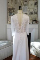 Robe de mariée blanche dos en V en dentelle Sylvie Mispouillé