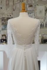 Robe de mariée décolletée dans le dos Sylvie Mispouillé