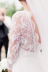 Robe de mariée et dentelle delicate Sylvie Mispouillé