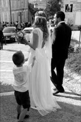 Robe de mariée en dentelle et dos nu Sylvie Mispouillé