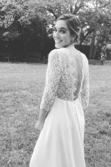 Robe de mariée intemporelle en dentelle Sylvie Mispouillé