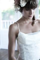 Couronne de fleurs création de robe de mariée Sylvie Mispouillé